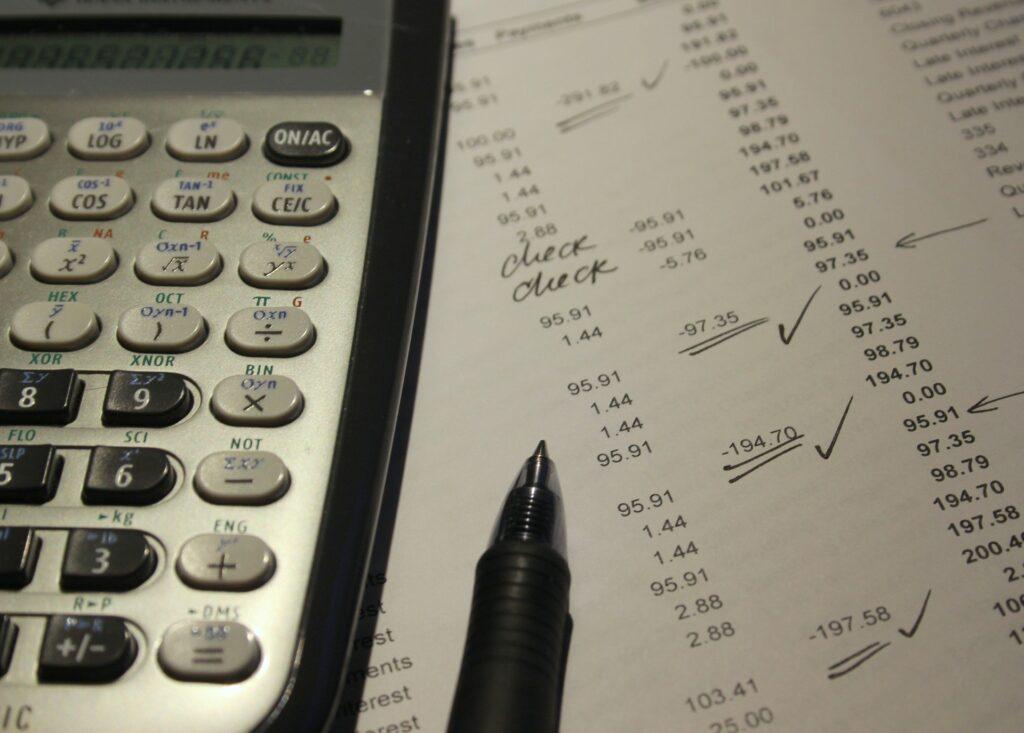 Abogado incumplimiento de contrato y reclamación de cantidad